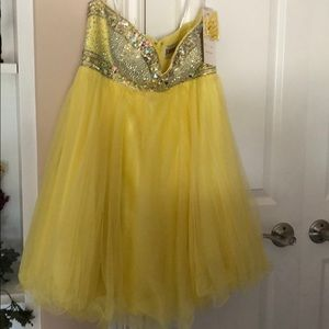 EUC Tony Bowls sz 10 yellow formal mini dress